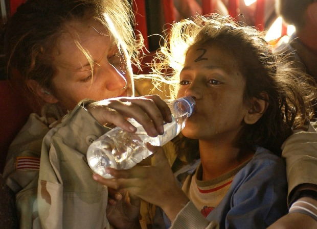humanitarian-aid-939723_1280